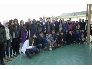 TEOG Birincisi Olan Zeve Ortaokulu Öğrencileri Ödüllendirildi