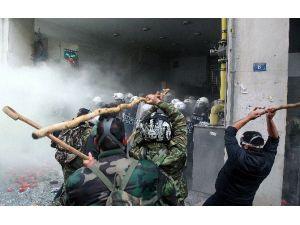 Yunanlı Çiftçiler Hükümeti Protesto Etti