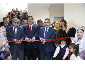 Fatih Terim Kültür Evi'nde Sergi Açılışı