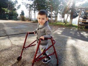 Minik Ayhan, Büyükşehir'in Misafiri