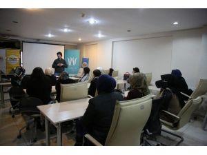 İpekyolu Belediyesi'nden Esnaf Adayı Kadınlara Girişimcilik Semineri