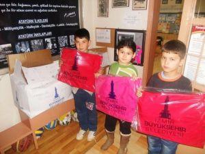 Beydağ'da Öğrencilere Kışlık Hediyeler