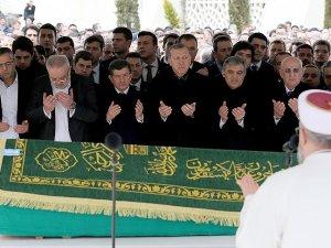 11. Cumhurbaşkanı Gül'ün kayınpederi Özyurt toprağa verildi