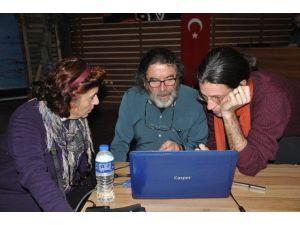 """Şili'li Biyolog Edremit'te """"Mahallemi Seviyorum"""" Projesini Anlattı"""