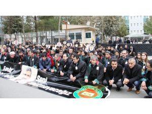 Alman hukukçular, 'Tahir Elçi'nin katilleri bulunsun' eylemine katıldı
