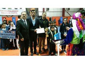 Halk Oyunları İl Birinciliği Yarışması İskele Yibo'da Düzenlendi