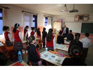 Başkandan Okullara Ziyaret