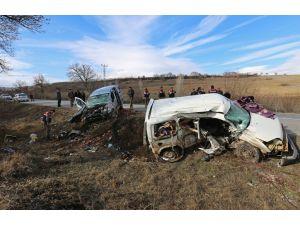 Çorum'da trafik kazası: 3 ölü