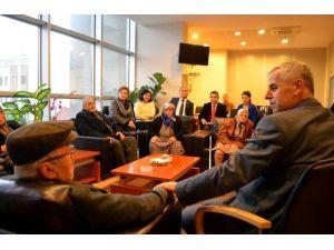 Söke Belediyesi Yaşlılara Sahip Çıkacak