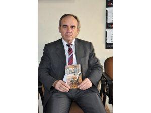 """Şair Hacı Yiğid'in 7'inci Şiir Kitabı """"Yar Seni"""" Çıktı"""