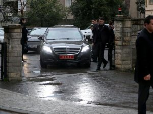 Başbakan Davutoğlu 11.Cumhurbaşkanı Gül'e taziye ziyaretinde bulundu