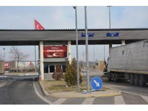 İpsala Sınır Kapısı Araç Geçişlerine Kapatıldı