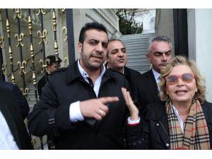 Melek İpek'i ziyarete giden Nazlı Ilıcak içeri alınmadı