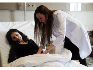Göbek Sandı Teşhis Edilen Kist Ultrasonda Ekrana Sığmadı
