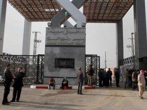 Mısır Refah Sınır Kapısı'nı iki günlüğüne açtı