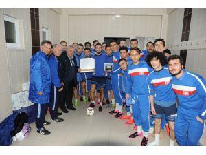 TOFAŞ futbol takımına yönetimden destek