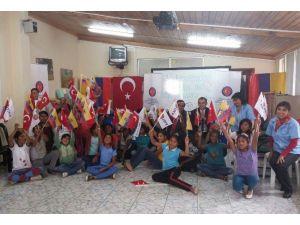 TİKA'dan Ekvador'daki Yetimlere Yardım Eli