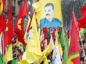 PKK Yandaşları Fransa'da Türk Camisine Saldırdı