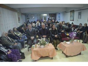 Belediye Korosu Huzurevi Sakinleri İçin Sahne Aldı