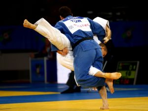 Burdur'dan alınan Gençler Türkiye Judo Şampiyonası Sakarya'da yapılacak