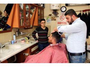 Nöbetçi Eczanelerden Sonra Nöbetçi Berber Uygulaması Başladı