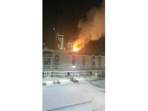Kazakistan'da korkutan gökdelen yangını kontrol altına alındı