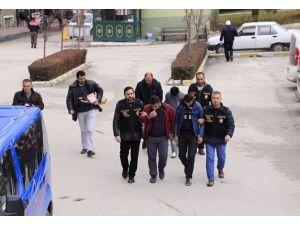 İki Farklı Olayda Yakalanan 6 Hırsız Adliyeye Sevk Edildi