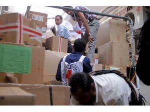 Abluka altındaki Taiz şehrine aylar sonra ilk kez yardım ekipleri girdi