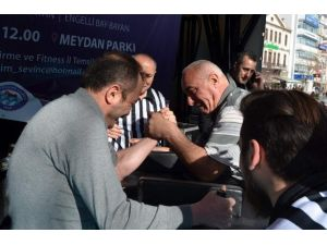 Trabzon'da Bilek Güreşi Turnuvası'na Yoğun İlgi