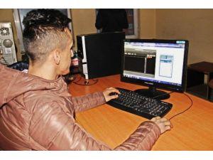 Hakkari'de Sanal Radyo Hizmete Girdi