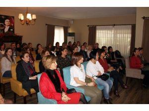 Türkiye'de 8 Kadından 1'inin Meme Kanserine Yakalanma Riski Var