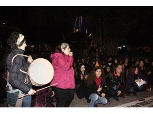 Kadınlar Şiddete Karşı Sesli Eylem Yaptı