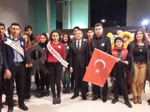 Anadolu Gençlik Eğitim Merkezi Gençlik Ve Spor Kulübü'nden Tayvan'daki Depremde Hayatını Kaybedenlere Destek
