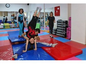 Büyükşehir'den Çocuklara Jimnastik