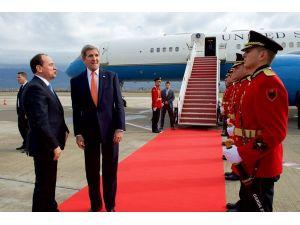 Kerry: Arnavutluk'un DAEŞ'e karşı koalisyonda kurucu olmasından memnunum