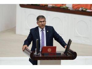 AK Parti'li Öztürk, Gıda Zehirlenmesi Şüphesiyle Hastaneye Kaldırıldı