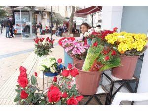 Çiçekçiler 14 Şubat'ta Sevinemedi