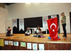 Suriyeli Çocuklar Savaşın Acı Yüzünü Tiyatroya Yansıttı