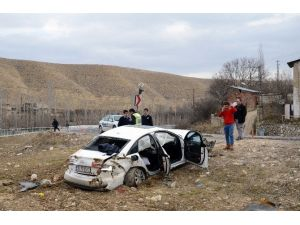 Darende'de Ölüm Virajında Kaza