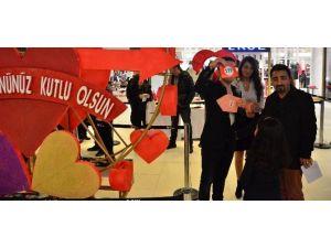 """Esas 67 AVM'de """"Sevgililer Günü"""" Heyecanı"""