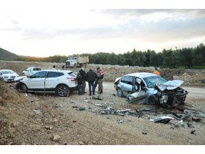 Bursa'da Aşırı Hız Kazaya Neden Oldu: 1 Ölü, 4 Yaralı