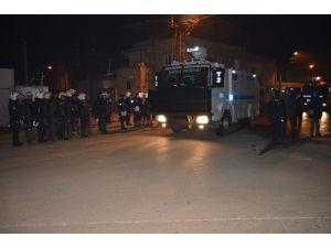 Turgutlu'da İzinsiz Yürüyüşe Müdahale: 12 Gözaltı