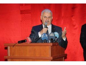 Bakan Yıldırım, İzmir'de Başkanlık Sistemini Anlattı