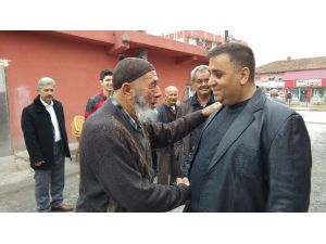 Başkan Can'dan Çat Kapı Ziyaret