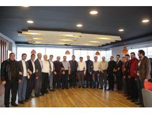 AK Parti İlçe Başkanları Yemekte Buluştu