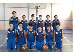 Foça'nın Küçük Basketbolcuları İlk Galibiyetini Aldı