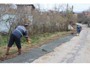 Akçakoca'da Cadde Ve Sokaklarda Onarım Bakım Çalışmaları Devam Ediyor