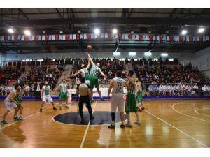 Düzce Belediyespor Basketbol Takımı Göz Doldurdu