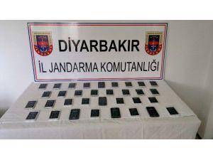 Diyarbakır'da 33 Adet Kaçak Cep Telefonu Ele Geçirildi