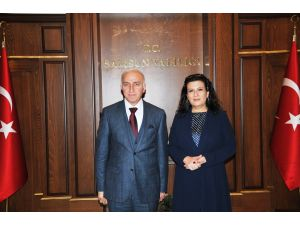 Eski Milli Eğitim Bakanı Nimet Baş ziyaretlerde bulundu
